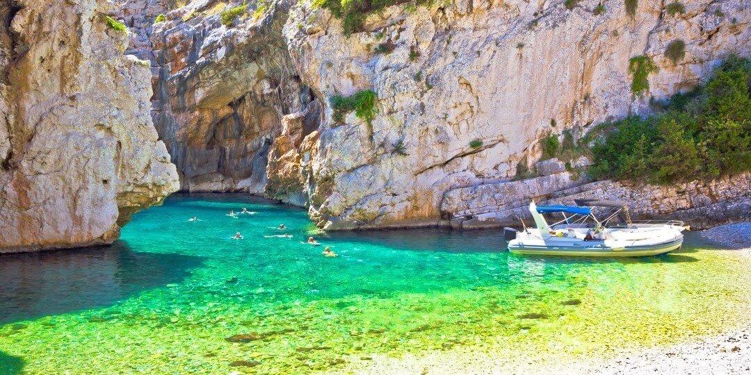 Dalmatian coast tour - Vis 3